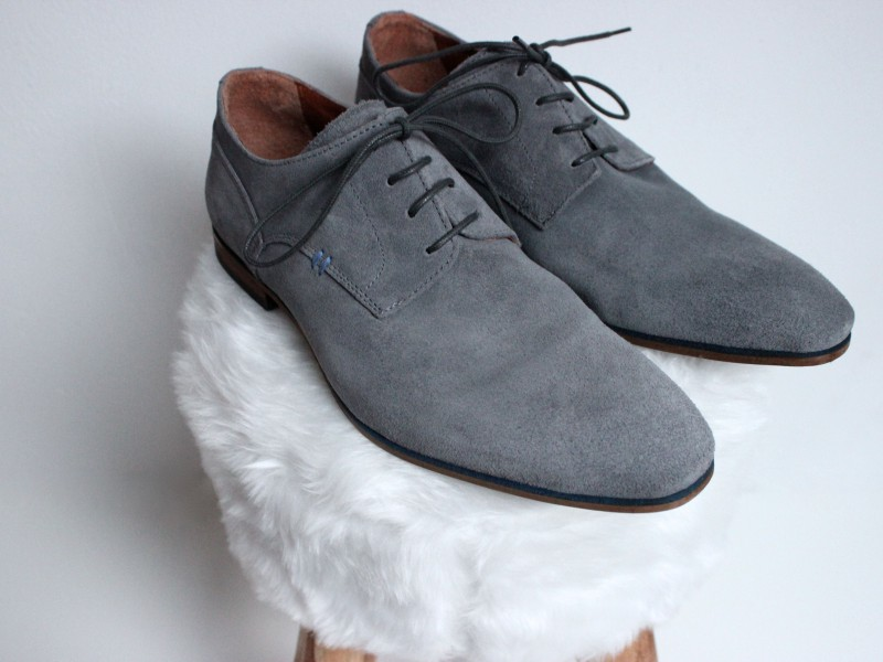 Grey Shoes Invito