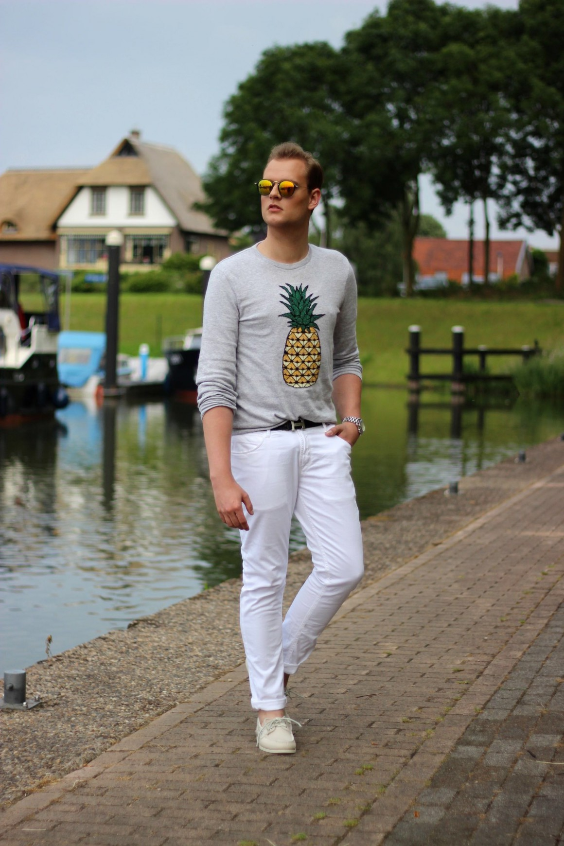 Pineapple sweater and boat shoes. Asos jumper, zara jeans, sperry boat shoes, JustKVN menswear and lifestyle blog