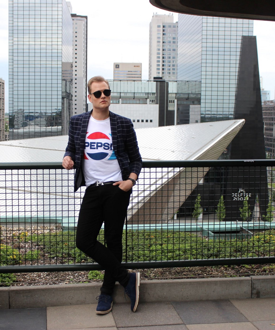 Skyline of Rotterdam Pepsi Zara tee, Asos jeans, Zara blazer, Timberland shoes JustKVN menswear and lifestyle blog