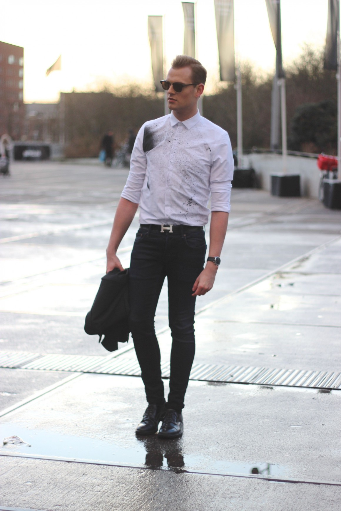 Spray paint Asos, Hermes belt, G-star jeans, acne studios shoes