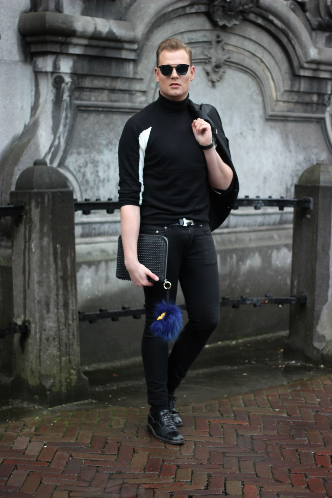 All black with a toch of Blue JustKVN Menswear blog
